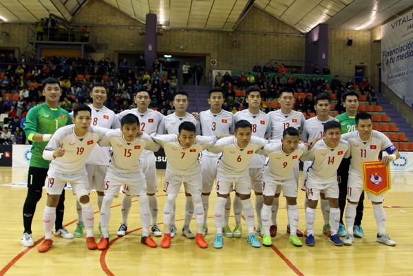 Futsal Việt Nam thua thảm CLB Jaen (Tây Ban Nha) 6-0