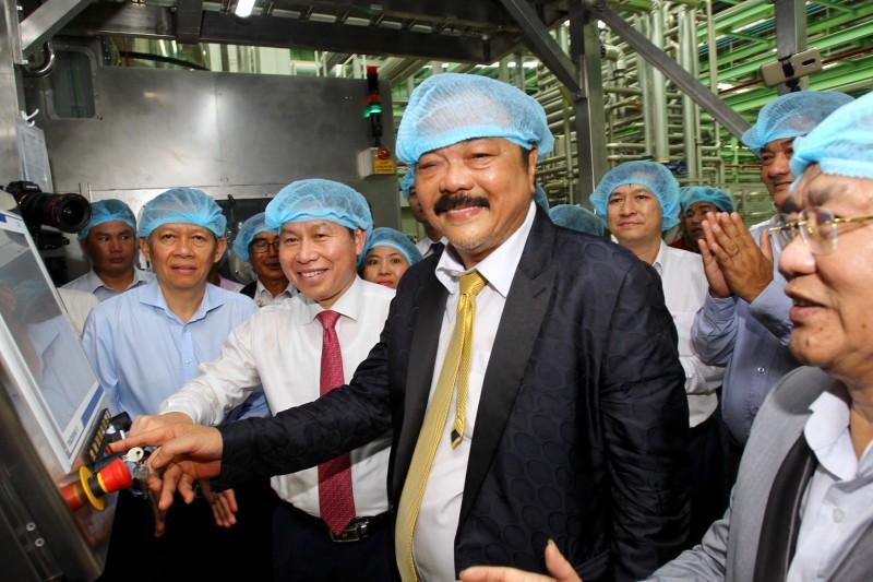 Tập đoàn Tân Hiệp Phát khánh thành nhà máy nước giải khát lớn nhất ĐBSCL