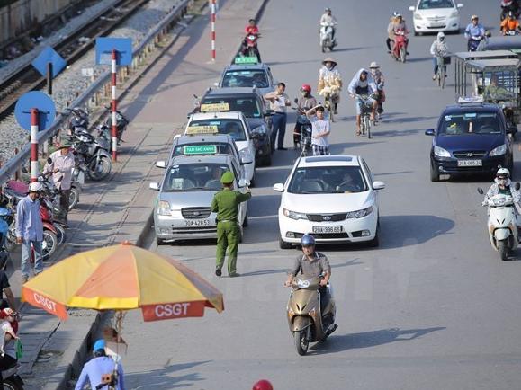 """""""Cởi trói số lượng xe taxi dễ dẫn tới tình trạng kinh doanh chộp giật'"""