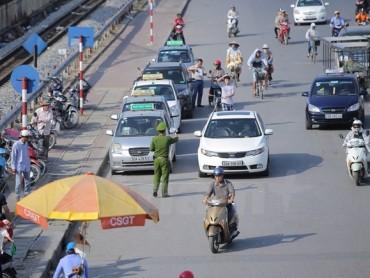 """""""Cởi trói số lượng xe taxi dễ dẫn tới tình trạng kinh doanh chộp giật"""