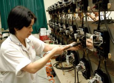 Để lao động nữ lớn tuổi có việc làm