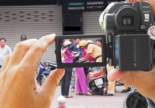 Nhà báo, người dân không được dùng thiết bị nguỵ trang ghi âm, ghi hình?