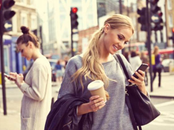 Cả một thế hệ sẽ bị đau cổ do điện thoại thông minh