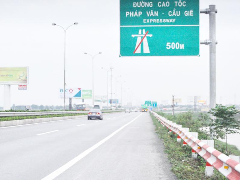 Lập trạm cấp cứu trên đường cao tốc: Còn nhiều trắc trở