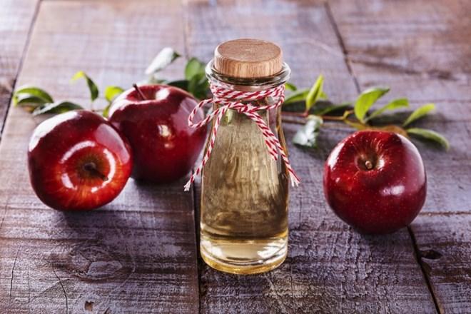 Bảy bí quyết tuyệt hay để chăm sóc da và tóc bằng giấm táo