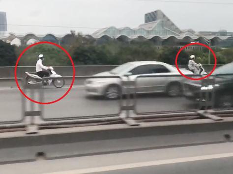 Hà Nội: Nhiều xe máy 'liều mạng' chạy ngược chiều ở đường trên cao