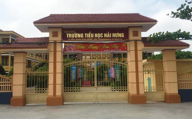 bat doi tuong gia phu huynh cuop day chuyen cua hoc sinh