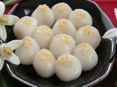 Tết Hàn thực 3/3 âm lịch: Vì sao phải cúng bánh trôi, bánh chay?