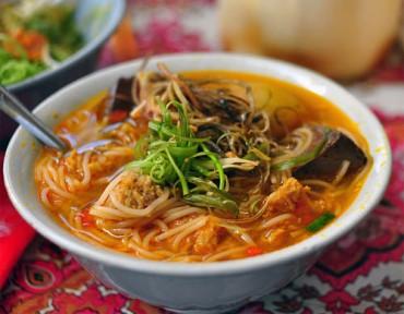 5 món ăn đường phố khi lang thang phố núi Ban Mê dịp nghĩ lễ 30.4