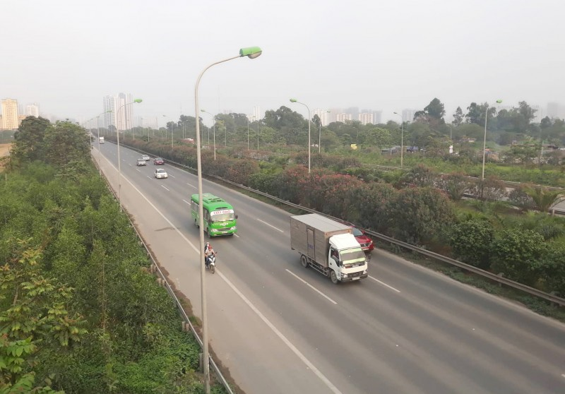 """Xe máy """"lạc"""" vào đường cao tốc: Quá nguy hiểm, cần xử lý nghiêm"""