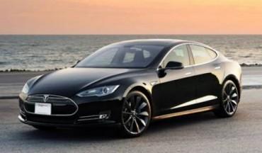 Ô tô chạy điện có là dấu chấm hết của ô tô xăng?