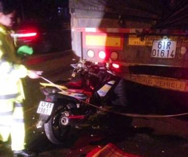 Một chiến sĩ công an tử vong khi tông vào đuôi xe container