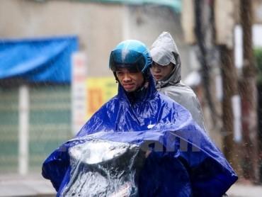 Cả nước chuyển mưa dông, có khả năng cao xảy ra tố, lốc