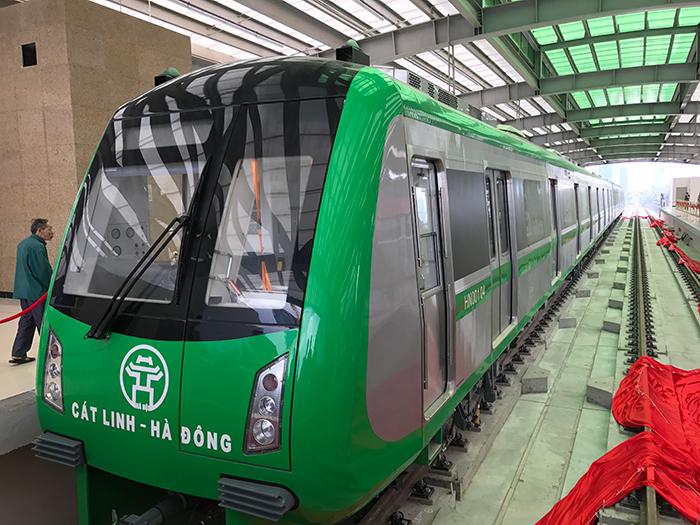 Cận cảnh đường sắt Cát Linh - Hà Đông ngày đầu mở cửa
