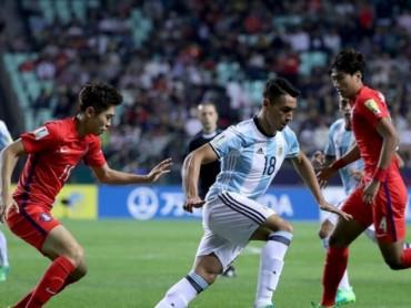 U20 Argentina có nguy cơ bị loại sớm, 2 đội đã giành vé đi tiếp
