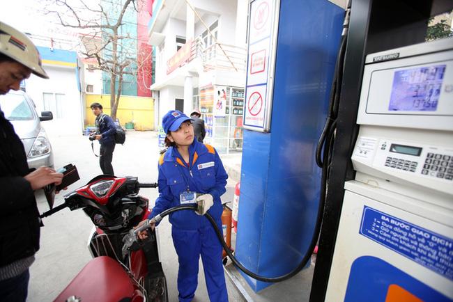 Đề xuất tăng khung thuế BVMT đối với xăng, dầu