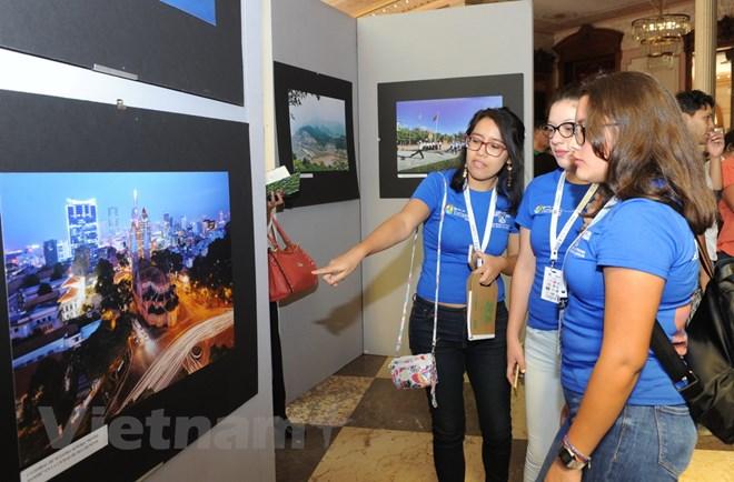 Triển lãm ảnh Việt Nam mừng ngày thống nhất đất nước 30/4 tại Mexico