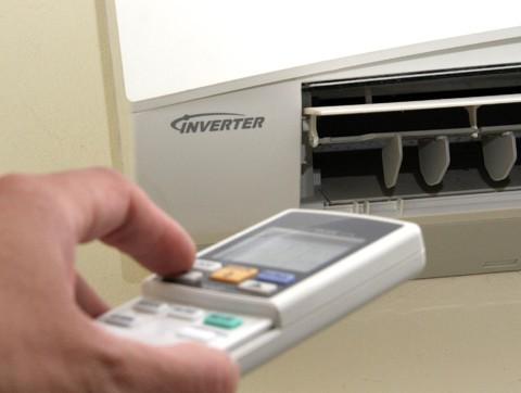 Điều hòa Inverter tiết kiệm điện hơn bao nhiêu so với điều hòa thường?