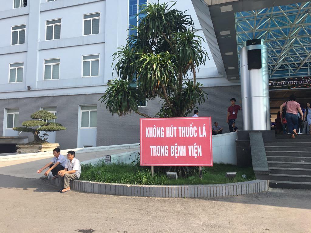 hang nam khoang 600000 nguoi tu vong do hit thuoc la thu dong