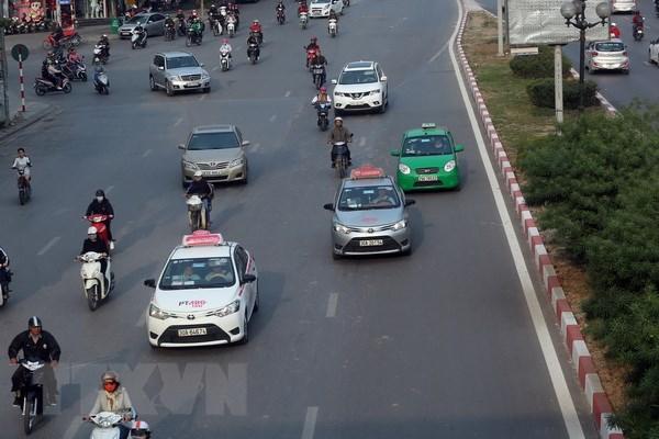doanh nghiep kien nghi khong nen quy dinh taxi chung mot mau son