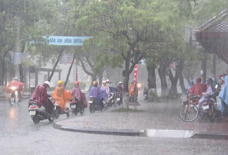 Chiều tối nay Bắc Bộ mưa rào diện rộng, Hà Nội mưa dông