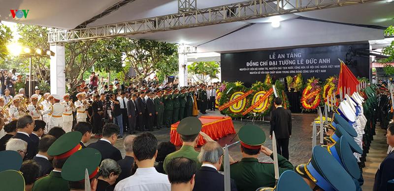 Toàn cảnh Lễ an táng nguyên Chủ tịch nước Lê Đức Anh tại TPHCM