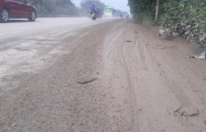 Cần lập lại trật tự ven đại lộ Thăng Long