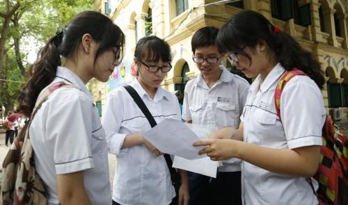 Sáng nay, hàng nghìn học sinh Hà Nội chính thức bước vào kỳ thi lớp 10