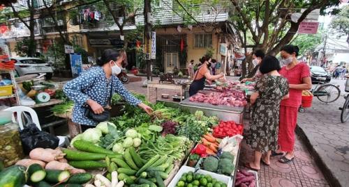 Thị trường ngày 1/5: Giá thịt lợn tại chợ dân sinh tăng nhẹ
