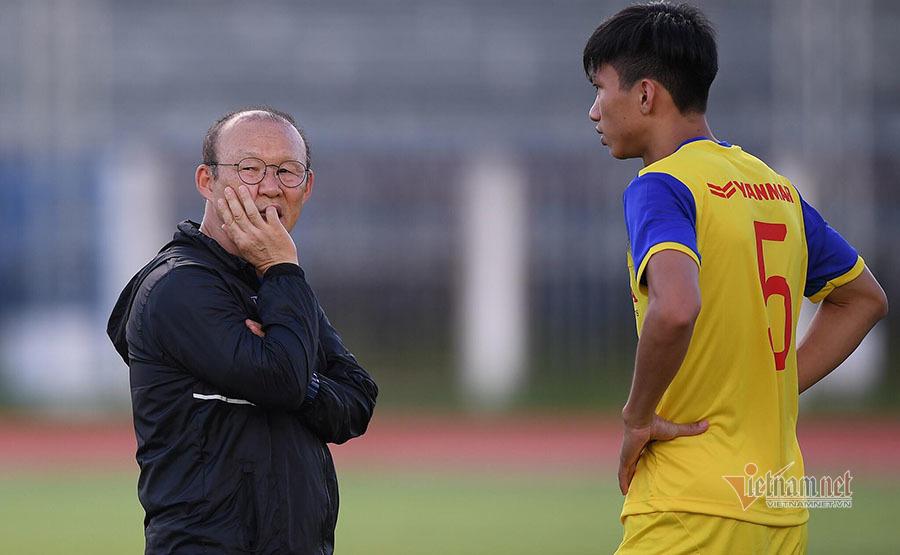 Thầy Park có thể bị treo giò nếu phản ứng trọng tài ở vòng loại World Cup 2022