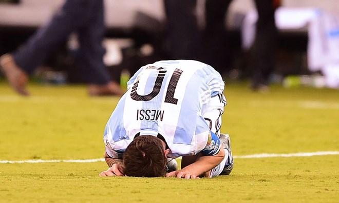 Sốc: Lionel Messi bất ngờ tuyên bố giã từ đội tuyển Argentina
