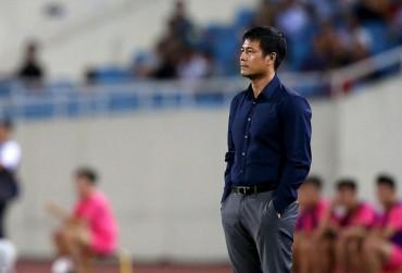 HLV Hữu Thắng tính chuyện thay đổi lối chơi cho đội tuyển Việt Nam?