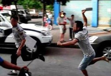 Bắt khẩn cấp 6 đối tượng chém người trên phố ở Hoàn Kiếm