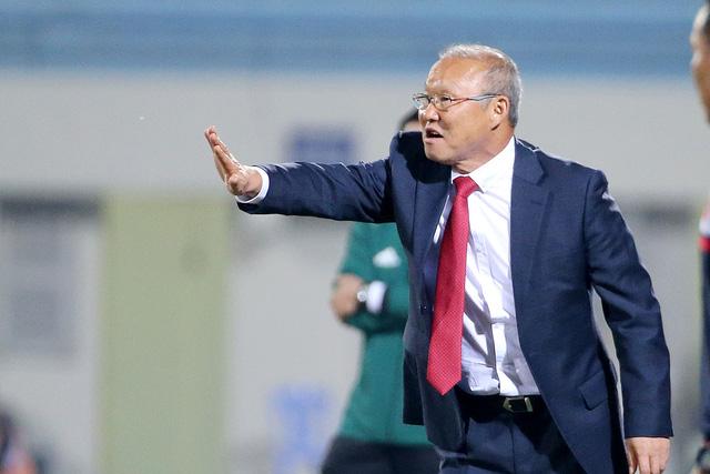 HLV Park Hang Seo 'do thám' đội tuyển Thái Lan