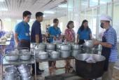 LĐLĐ huyện Ứng Hòa: Giám sát bếp ăn tập thể doanh nghiệp