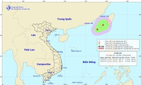 Áp thấp trên biển Đông, Hà Nội mưa lớn vào đêm khai mạc World Cup 2018