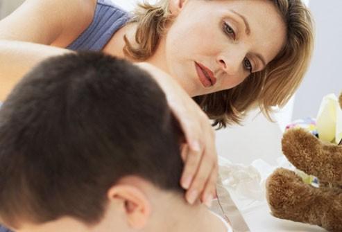 Cần làm gì khi bé bị nôn?