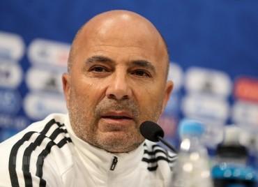 Argentina-Nigeria: Sampaoli bị tước quyền lực, cầu thủ tự xếp đội hình