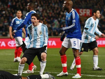 Argentina - Pháp: Ai sẽ xách vali về nước trong đêm nay?