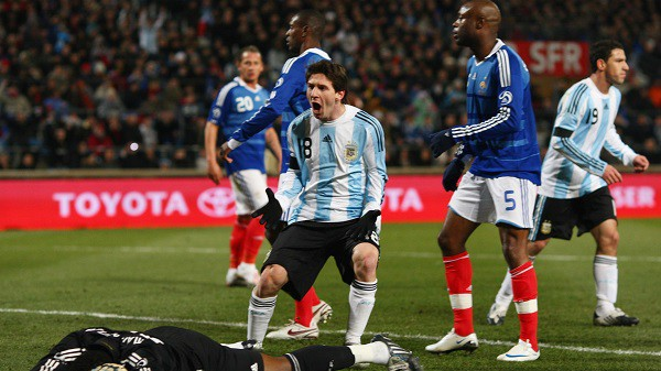 argentina phap ai se xach vali ve nuoc trong dem nuoc nga huyen dieu