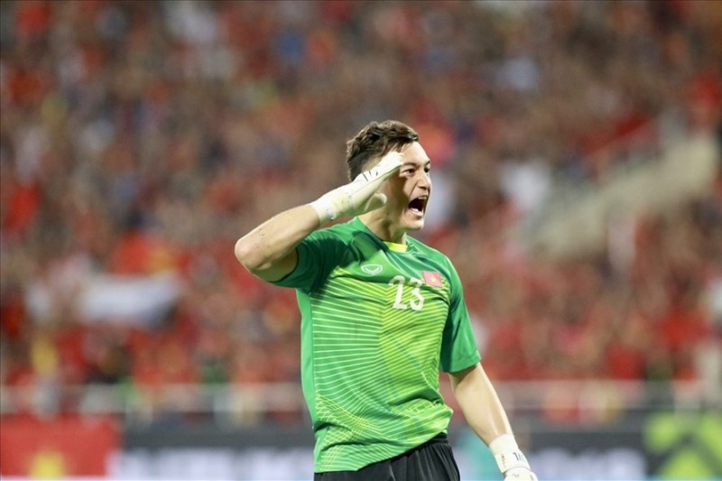 Văn Lâm có nguy cơ mất suất bắt chính ở đội tuyển Việt Nam