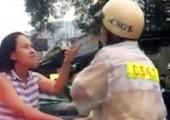 Bị người vi phạm lăng mạ, cảnh sát giao thông có nên cưỡng chế?