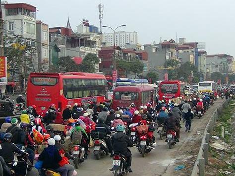 Hà Nội đóng cửa bến xe khách Giáp Bát, Gia Lâm