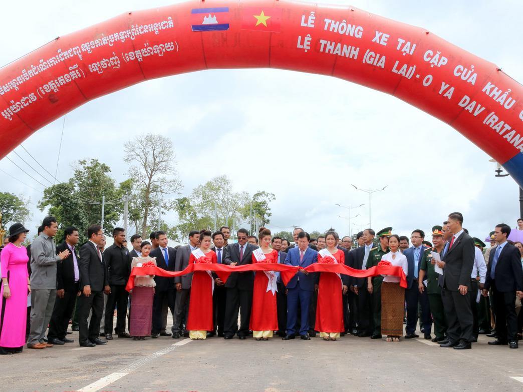 Thông xe cửa khẩu quốc tế Lệ Thanh-Oyadav