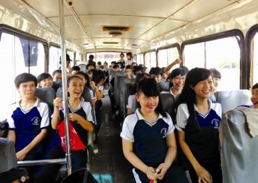 Đưa đón học sinh bằng xe buýt: Liệu có khả thi?