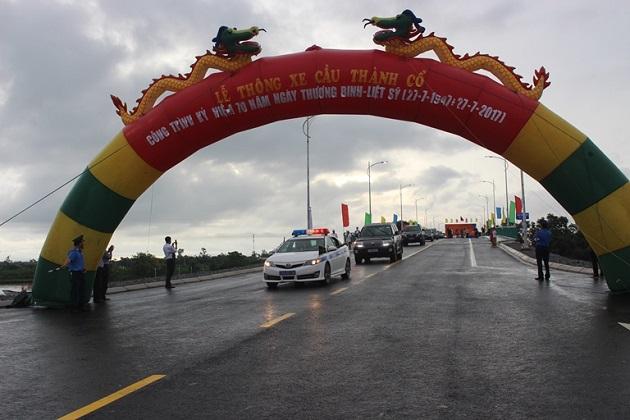 Thông xe cầu Thành Cổ nối đôi bờ sông Thạch Hãn lịch sử