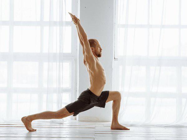 8 bai tap yoga lam tang so luong tinh binh