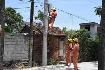 EVN Hà Nội: Đảm bảo an toàn điện trong mùa mưa bão