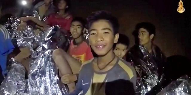 giai nghia buc tranh dang gay sot tren mang xa hoi tai thai lan