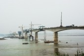 Hai cầu lớn vượt sông Hồng sắp hoàn thành